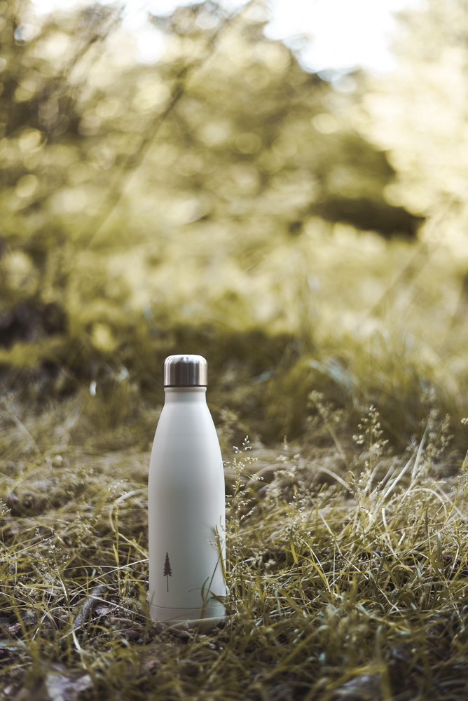 nachhaltige Thermosflasche des Schweizer Labels NIKIN