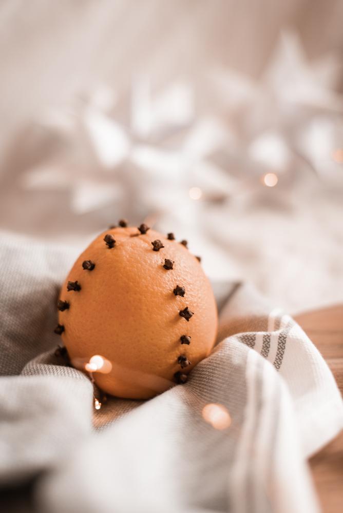 Skandinavische DIY Advent-Tradition: Orangen mit Nelken