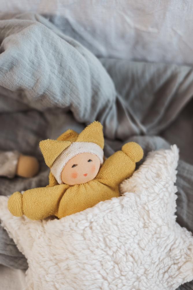 8 nachhaltige Geschenkideen zur Geburt für junge Mütter die Nachhaltigkeit, Less Waste und Zero Waste leben - Umweltbewusstsein und Langlebigkeit fürs Baby. #baby #geschenk #nachhaltigkeit