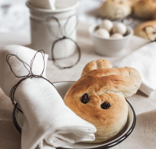20 Tipps für nachhaltige Ostern mit Familie, Freunden, leckerem Brunch und ganz viel Nachhaltigkeit. Ganz einfach! Schaut mal vorbei :) #diy #ostern #lesswaste #zerowaste #nachhaltigkeit