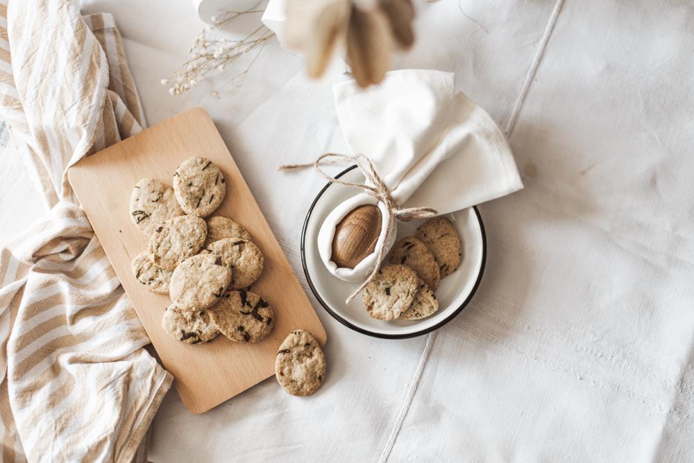 Bärlauch Rezept: Salziges Mürbteiggebäck ist der nachhaltige DIY Snack fürs Brunch-Buffet - einfach, unverpackt, nachhaltig, saisonal, regional & bio #bärlauch #rezept #snack