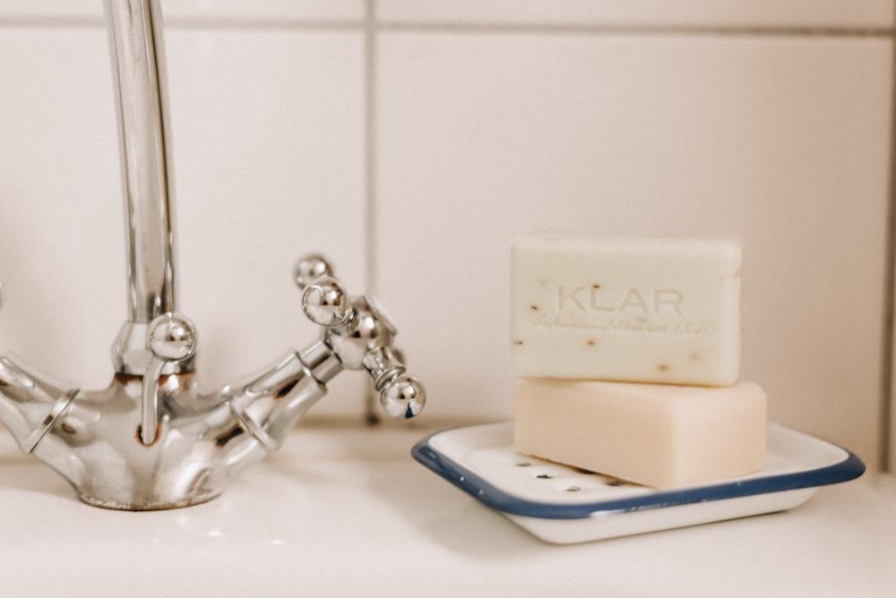 Feste Seifen im Bad sind essentiell für den Zero Waste Lifestyle und alle die sich für Nachhaltigkeit interessieren. Meine TOP 3 Seifen für jedes Badezimmer #bad #seifen #zerowaste #festeseifen
