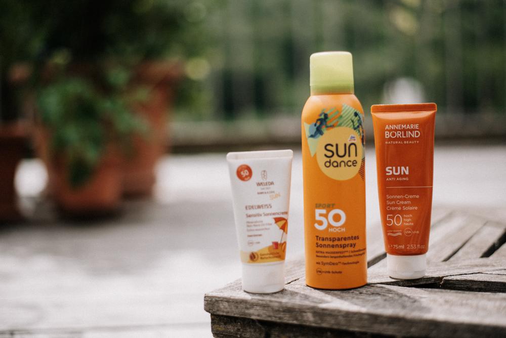 Nachhaltige Sonnencreme: Darauf solltet ihr achten! Auf diese Inhaltstoffe und Eigenschaften solltet ihr achten & Test zwischen drei bekannten Sonnencremes. #sonnenschutz #nachhaltigkeit #umweltschutz
