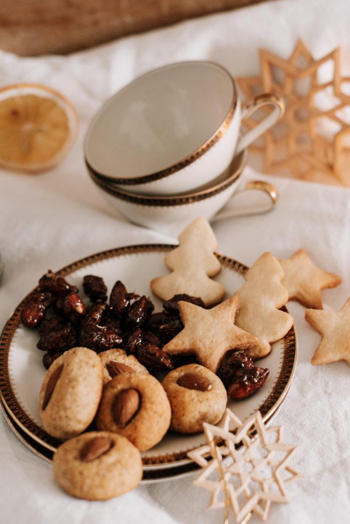 Last Minute Geschenkidee: Vegane gebrannte Mandeln einfach und schnell selber machen, schön verpacken und lieben Menschen schenken.
