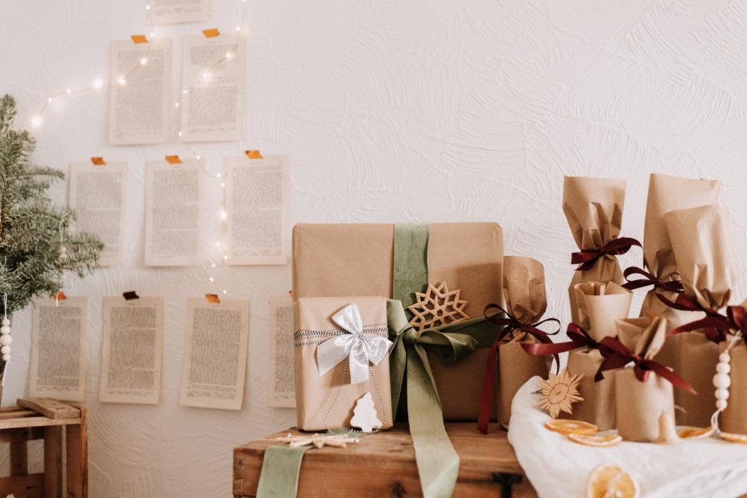 Nachhaltiges Weihnachtsfest feiern im kleinen Kreis - so feiern wir: Bescherung, veganes Weihnachtsmenü und ganz viel Zeit mit der Familie