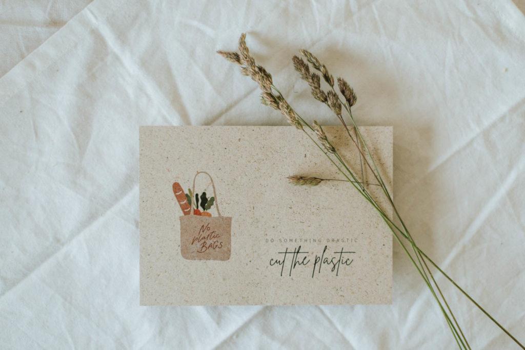 Nachhaltige Postkarten mit Fridays for Future- Plakatsprüchen. Vegane Karten aus Graspapier mit vielen Motiven für Umwelt- und Klimaschutz
