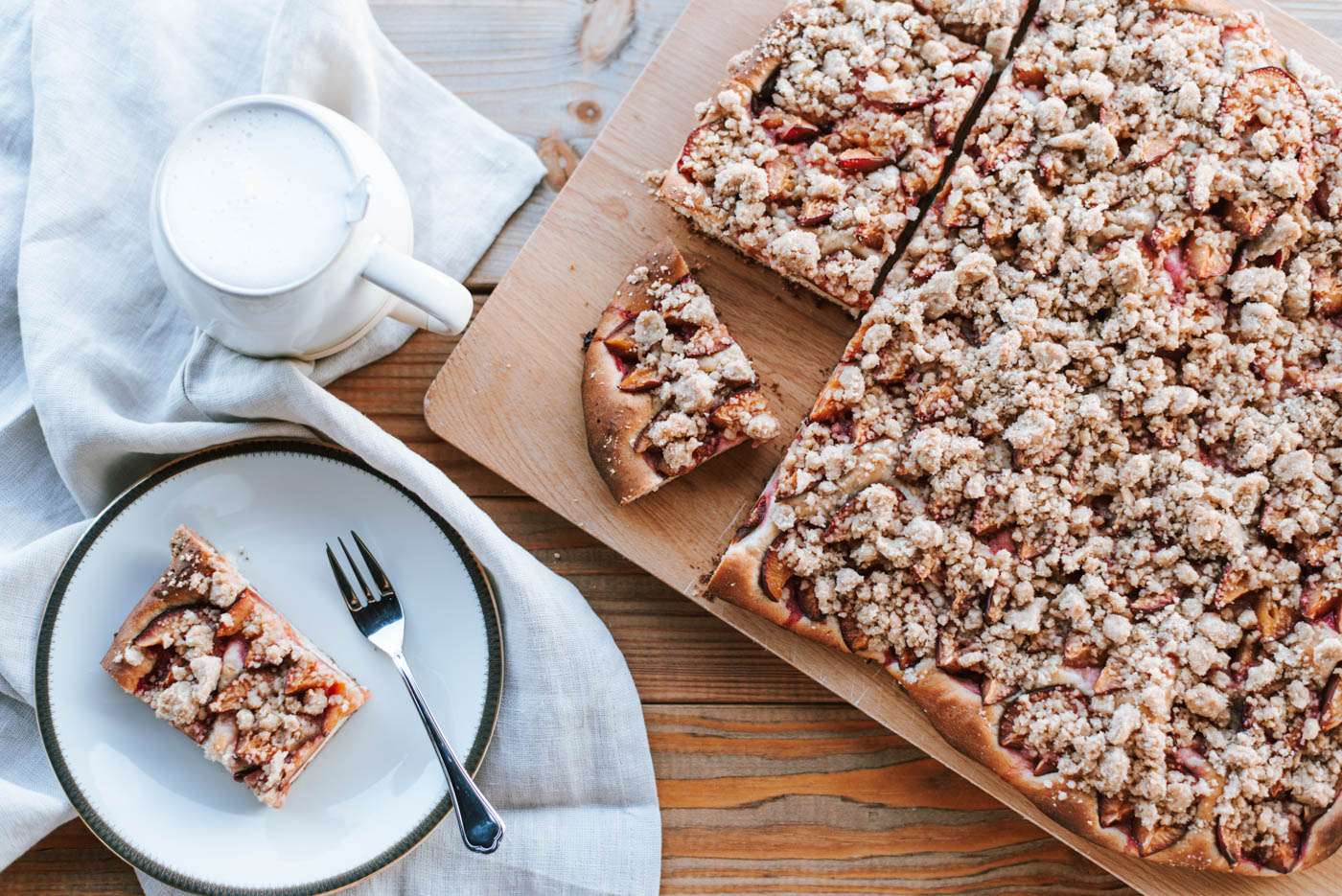Veganer Zwetschgenkuchen mit Zimtstreusel: Leckeres Blechkuchen- Rezept von meiner Mama - ganz einfacher und gelingsicherer Zwetschgenkuchen