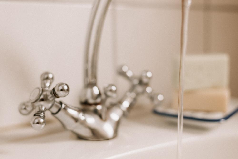 So gelingt Wasser sparen! 5 einfache Tipps für einen nachhaltigen Umgang mit Wasser, damit wir Klima, Umwelt & Grundwasser schonen